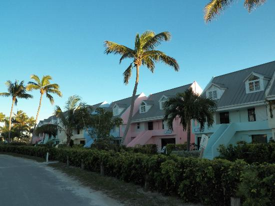 Treasure Cay Beach, Marina & Golf Resort: Line of Condos