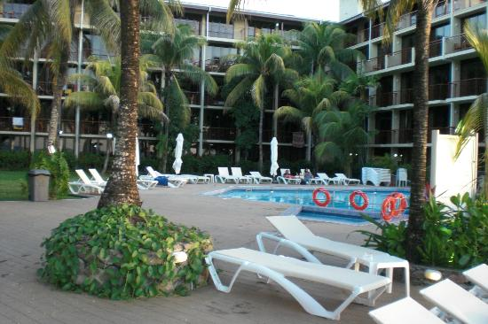 Coral Strand Smart Choice Hotel Seychelles: Hotelpool