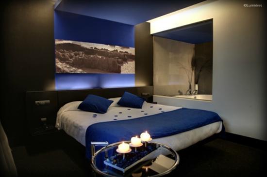 Foto de hotel playa ribera suances habitaci n suite con for Jacuzzi interior precios