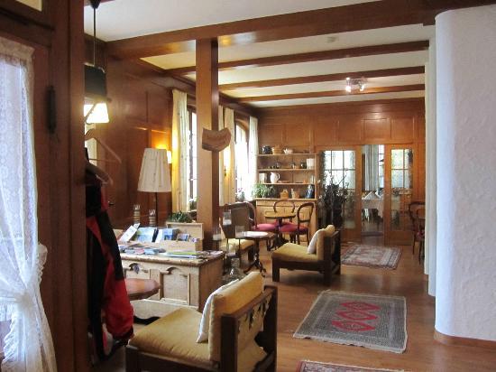 Hotel Blumental Murren: Reception Area