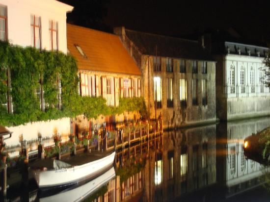 Pand Hotel Small Luxury Hotel: Brugge at night (The Pand is two seconds from this view)