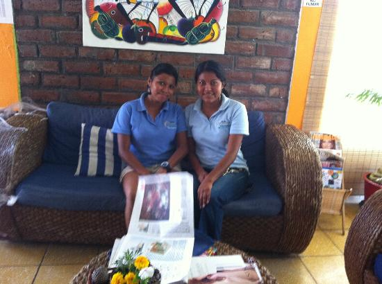Maracuya Hostel: the very nice welcome attendants