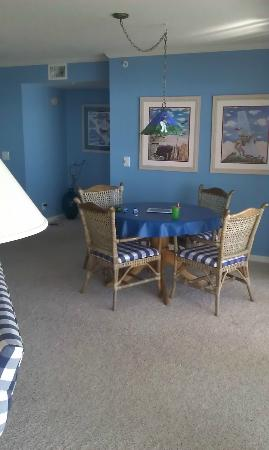 Litchfield Beach & Golf Resort: dinette table in family area