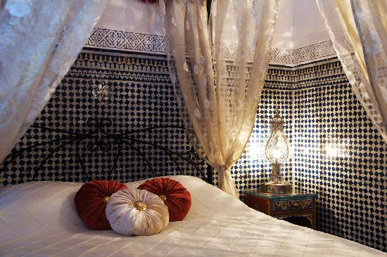 Riad Kettani: Chez Malika, lit de princesse