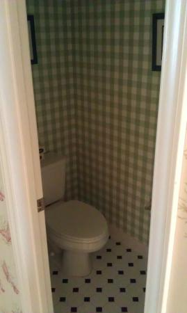 Litchfield Beach & Golf Resort: separate toilet room in master bathroom