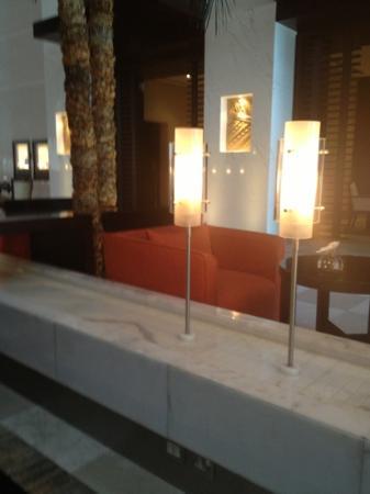 Hyatt Regency Dubai: lobby