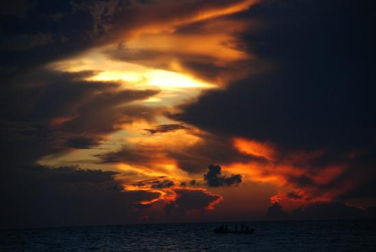 Rolandi's: A Most spectacular sunset, Isla Cozumel