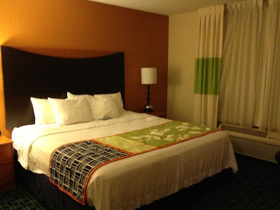 Fairfield Inn Grand Forks: Bedroom