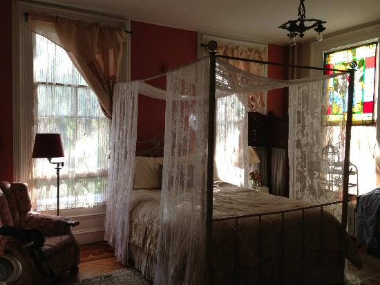 Ballroom area picture of akwaaba mansion bed breakfast for Area riservata bed and breakfast