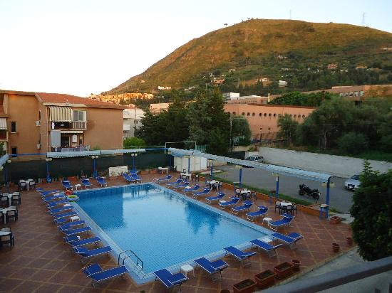 Hotel Villa Belvedere : Pool area