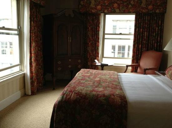 Mayflower Park Hotel: Room 1020