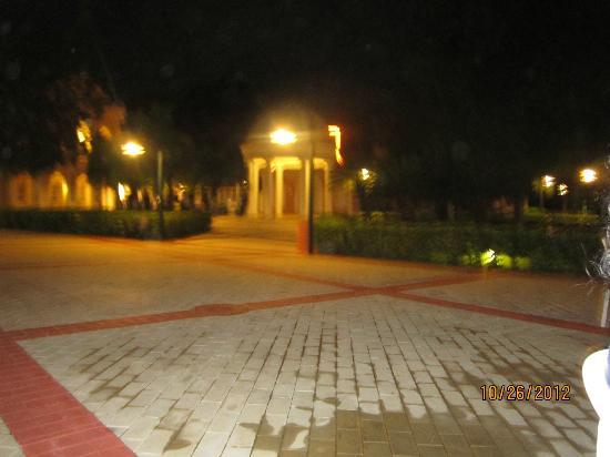 Grand Bahia Principe La Romana: EL pueblo