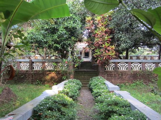 Eadens Hermitage: view from first step of the garden
