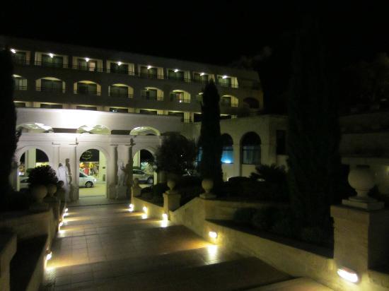 Excelsior Grand Hotel: main entrance
