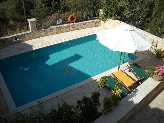 Vamos Traditional Village: Shared pool