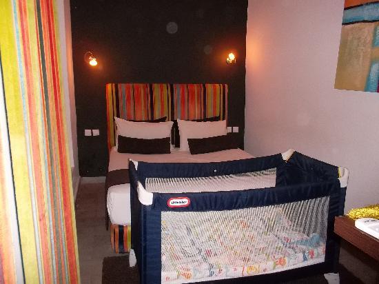 Riad Villa Wenge: notre chambre rayé