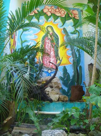 El Jardin de Frida: altar