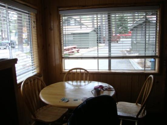 Big Bear Frontier Cabins: Inside dining area Cabin #3