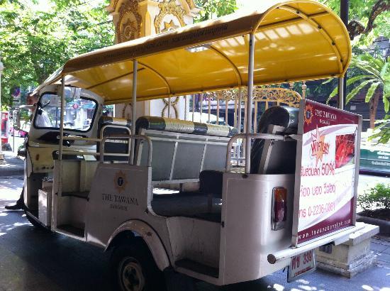 The Tawana Bangkok : Hotel tuktuk
