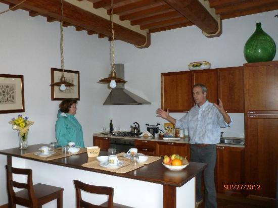 Il Borgo di Villa Bossi-Pucci: Kitchen
