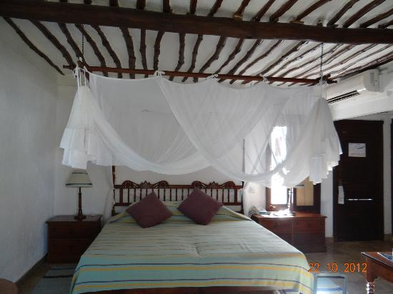 Jacaranda Indian Ocean Beach Resort: notre chambre