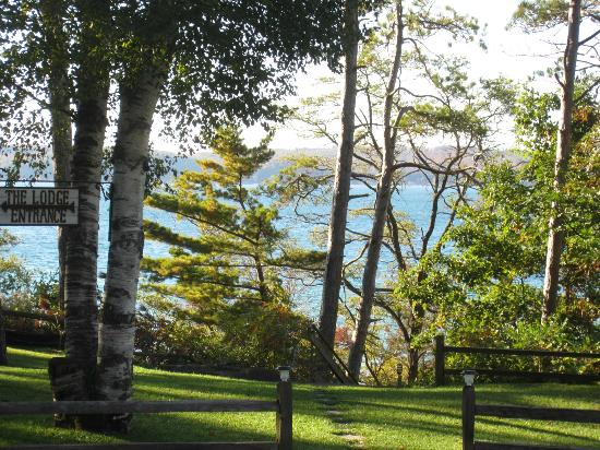 Chimney Corners Resort : View of the lake from the lodge front lawn