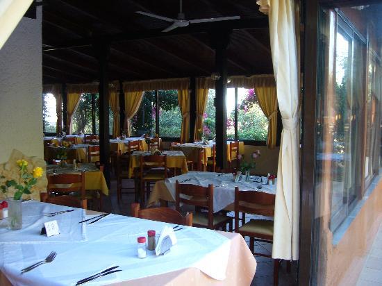 Despo Hotel: La salle du restaurant de l'hôtel 