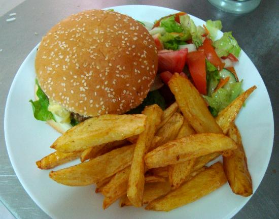 Tiffilly's Restaurant: Homemade Cheeseburger and Hand Cut Chips