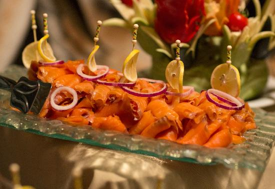 Royal Dragon Hotel: Fresh smoked salmon