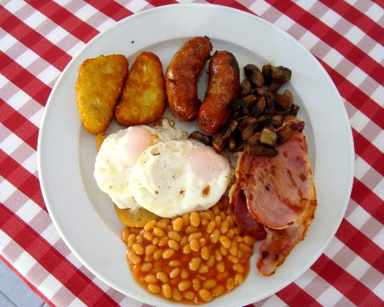 Tiffilly's Restaurant: The Maxi Breakfast with hash browns and mushrooms as extras
