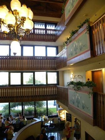 Drury Inn & Suites Frankenmuth: Inside the hotel