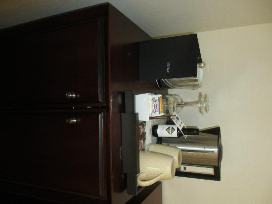 Casa Andina Premium Miraflores: Mini bar. Quite expensive $20 for the small bottle of wine.