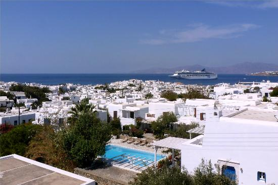 Rochari Hotel: view of Mykonos town and the harbor