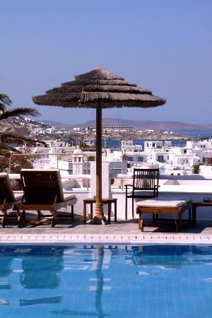Rochari Hotel: the pool area