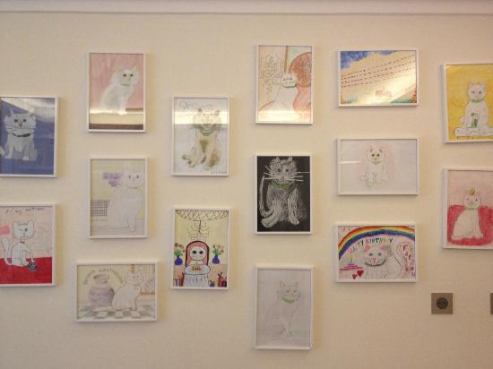 Le Bristol Paris: les dessins d'enfants dans la salle de jeux du bristol