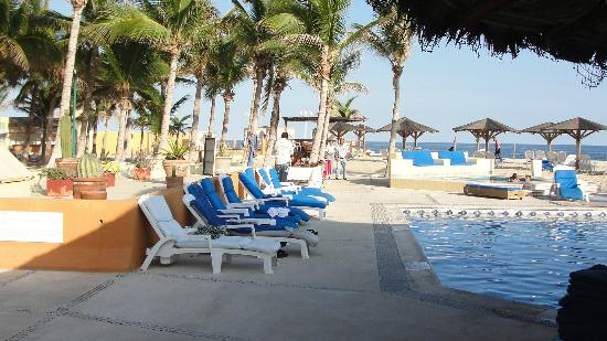 Posada Real Los Cabos: Plenty of places to sit