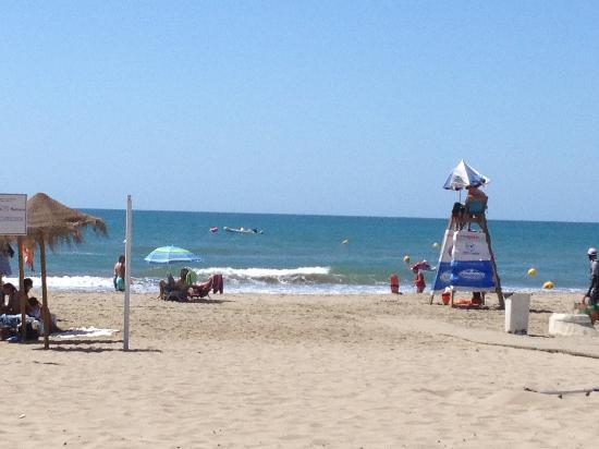 El Oceano Beach Hotel: Local beach view