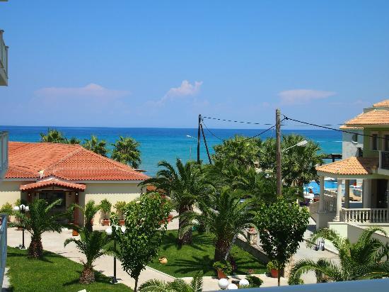 Tsilivi Beach Hotel: Вид из номера.