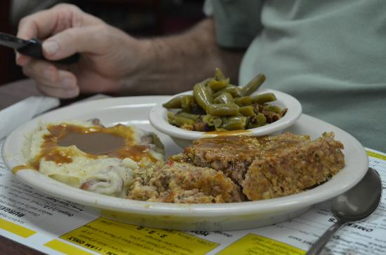 Darrell's Dog Gone Good Diner: Special of the day - Meatloaf, w/potatoes and beans