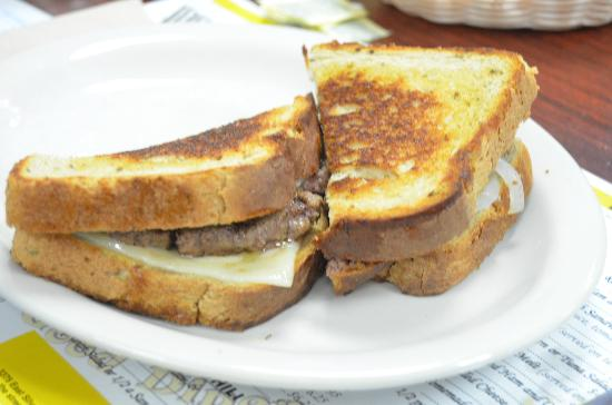 Darrell's Dog Gone Good Diner: Patty Melt, nothing on it, no sides.