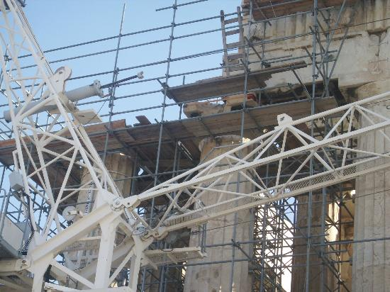 Parthenon: Not an awe inspiring sight.
