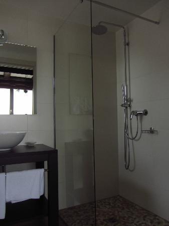 Hostellerie La Charrue: La salle de bain