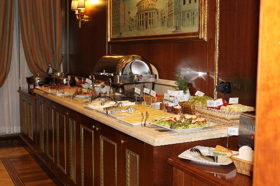 River Palace Hotel: Buffet Breakfast