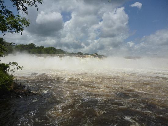 Ciudad Guayana, Venezuela: Hermosa vista de la Cascada Parque La Llovizna