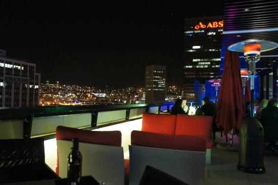 Park Inn by Radisson Cape Town Foreshore: Roof top bar
