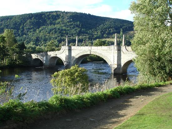Moness Resort: Aberfeldy - the historic Tay River bridge