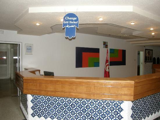 Hotel el Fell : Cherchez le change...