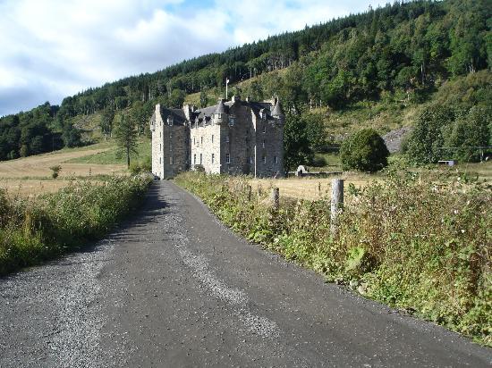 Moness Resort: Castle Menzies near Aberfeldy