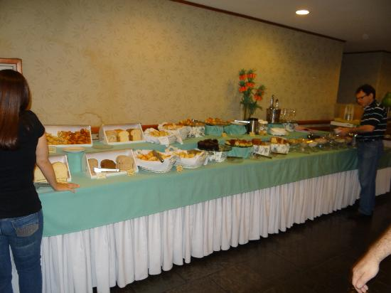 Hotel Bella Italia: mesa de doces