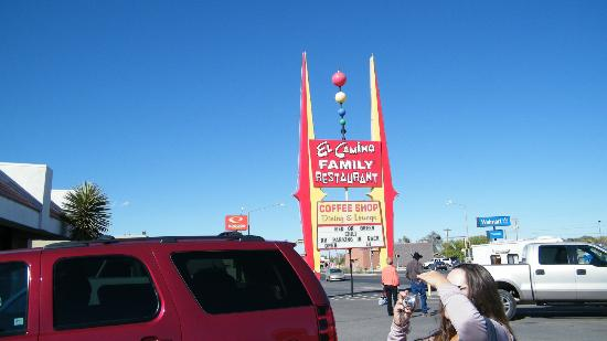 El Camino: signage